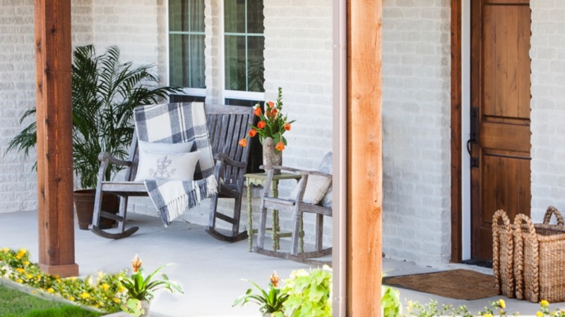 Outdoor Living Space: Options & Features for Custom Home