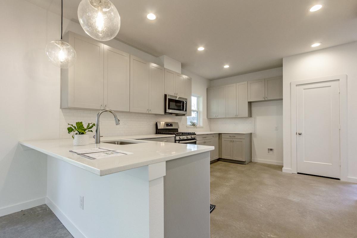 Hedgefield Homes Kitchen Design: Modern White Kitchen