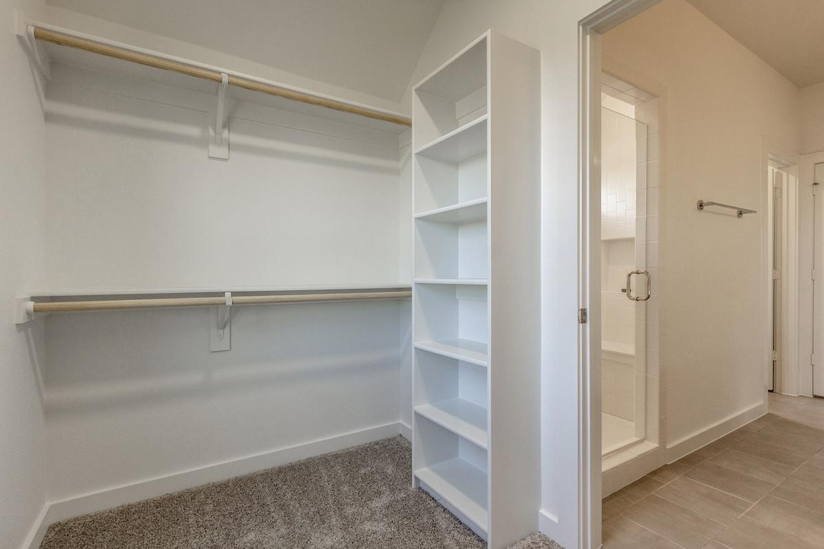 Bedroom Custom Home Design (Texas Homes): Master Closet