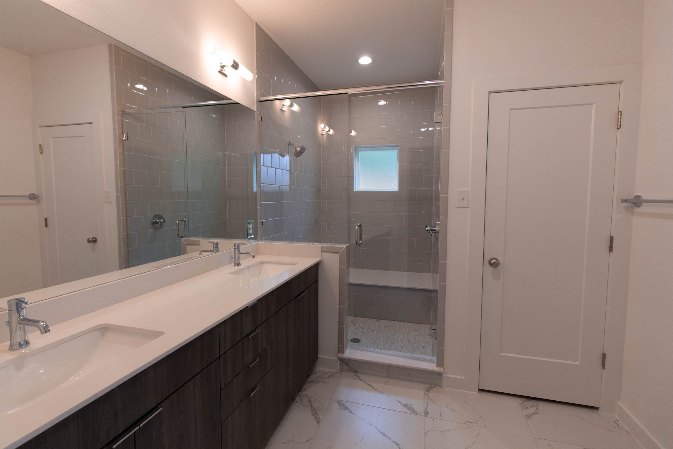 Bathroom Design (Custom Home Design): master bathroom vanity and walk in shower