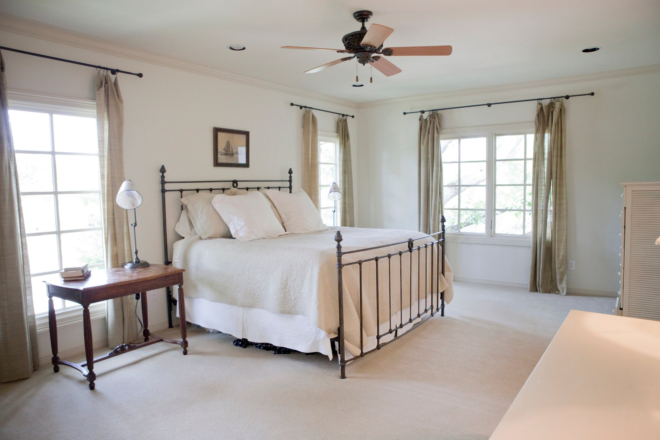 Bedroom Custom Home Design (Texas Homes): Large Upstairs Bedroom With Wood Windows