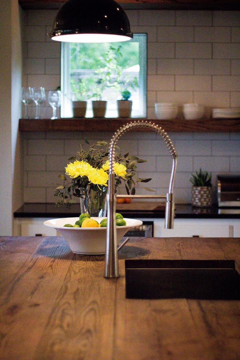 Hedgefield Homes Kitchen Design: Kitchen Island With Oak Wood Top