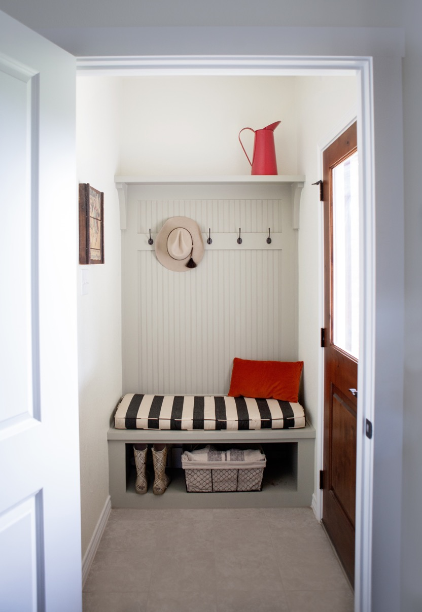 Home Design Accents: farmhouse mud room with bright accents