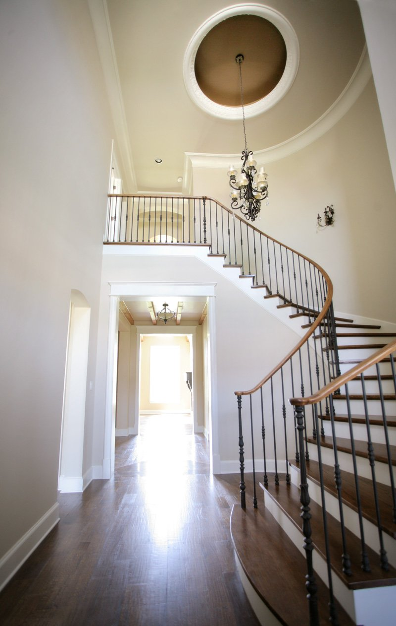 Home Design Accents: curved staircase with plaster ceiling dome