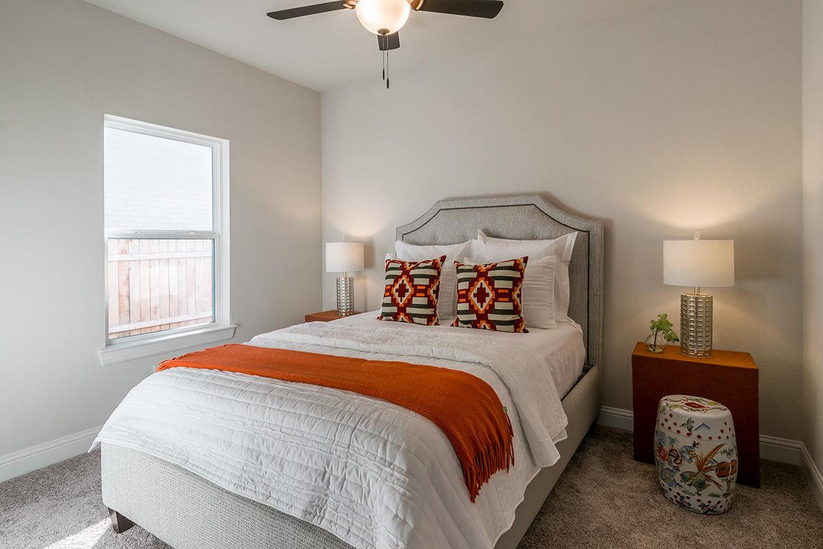 Bedroom Custom Home Design: Guest Bedroom