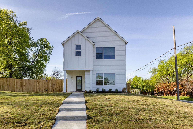 Exterior Home Design (North Texas): all white modern farmhouse two story