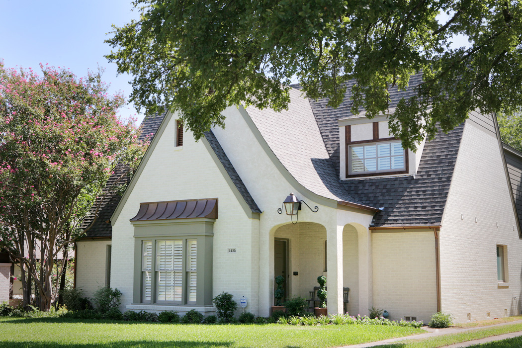 Exterior Home Design (North Texas): wabash stucco and brick home