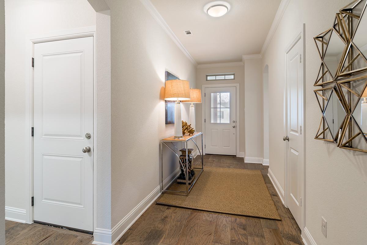 Living Room Design (Texas Homes): entryway