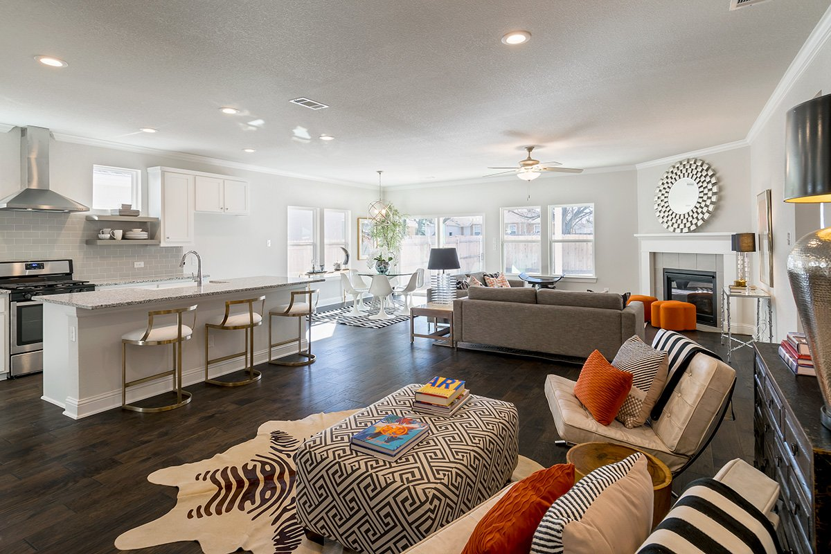 Living Room Design (Texas Homes): living room with furniture