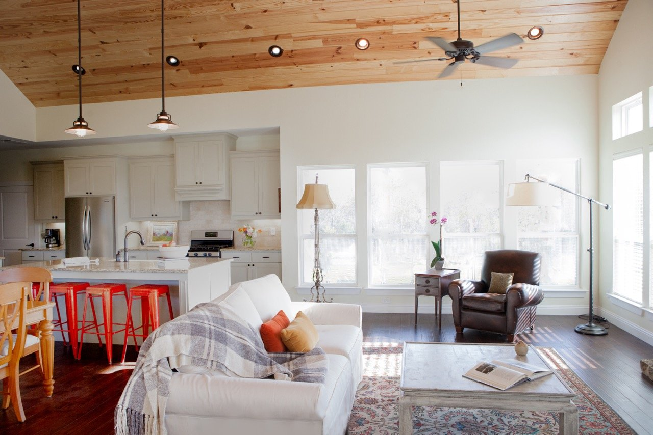 Living Room Design (Texas Homes): farmhouse great room with pine ceiling