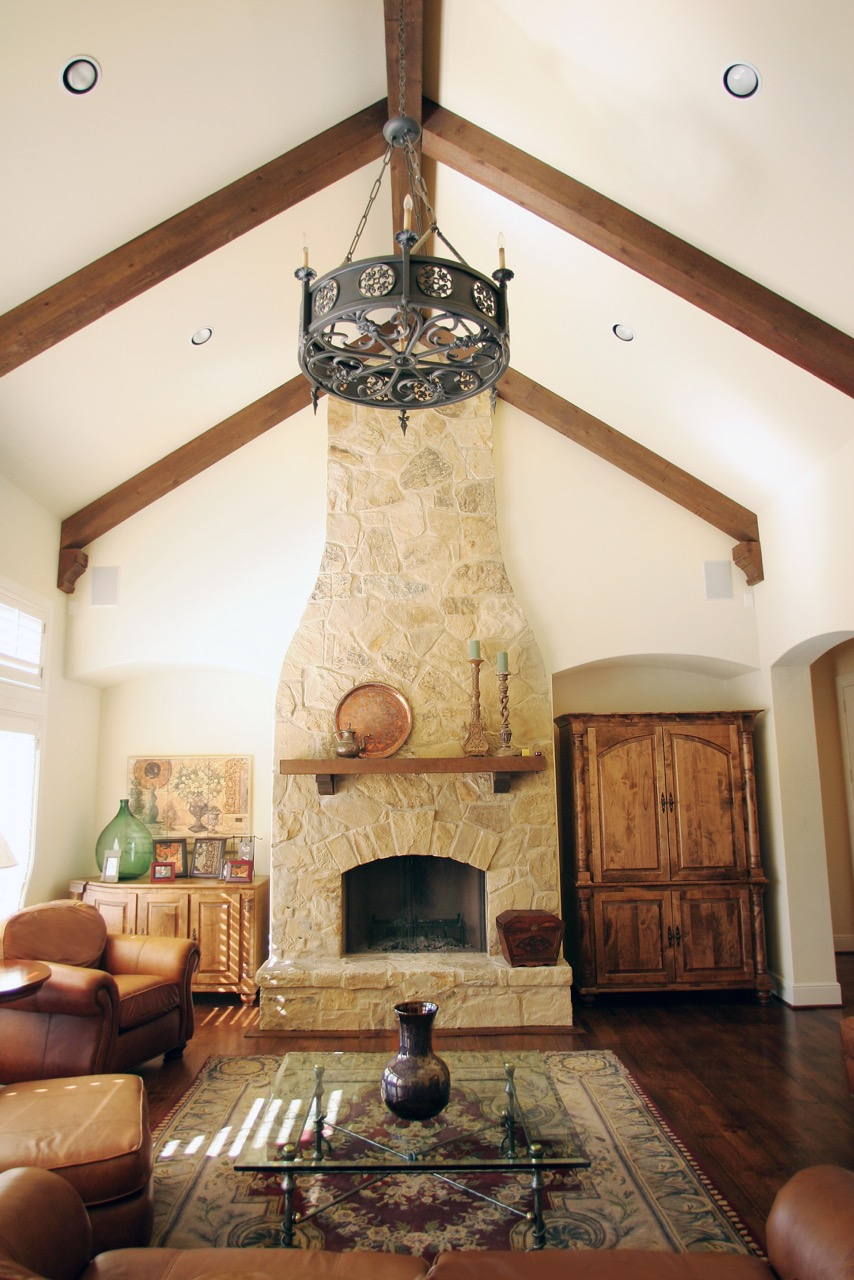 Living Room Design (Texas Homes): Vaulted Ceiling