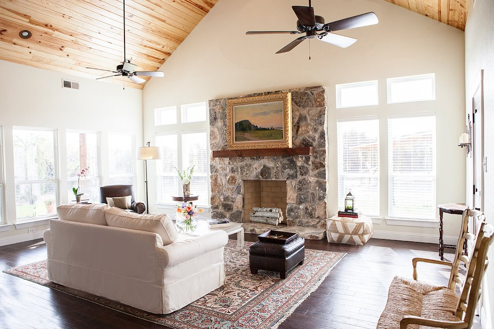 Living Room Design (Texas Homes): fireplace wall in farmhouse great room